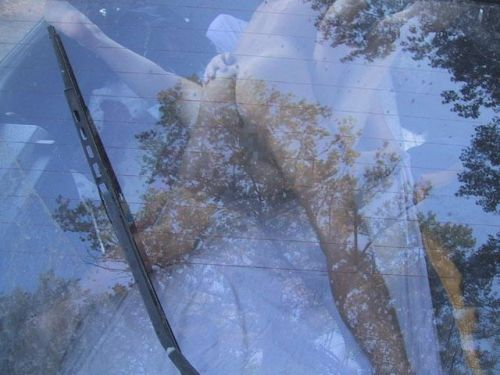 【画像】外から丸見え状態でカーセックスしてるカップルを激写したったwww 39枚 No.15