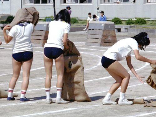 学生時代にブルマ体操服に興奮したおっさん達に送るエロ画像 38枚 No.32