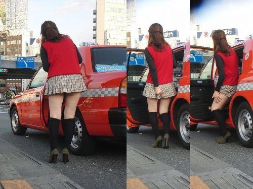 車を乗り降りする女の子の太ももやお尻のパンティラインを盗撮したエロ画像 43枚 No.12