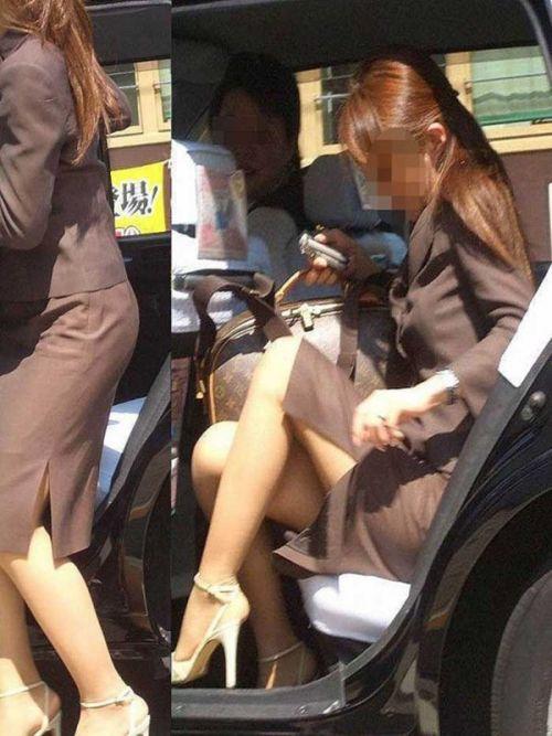 車を乗り降りする女の子の太ももやお尻のパンティラインを盗撮したエロ画像 43枚 No.13