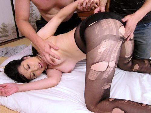 黒ストッキングを履いたの熟女の太ももとお尻に顔を埋めたくなるエロ画像 37枚 No.8