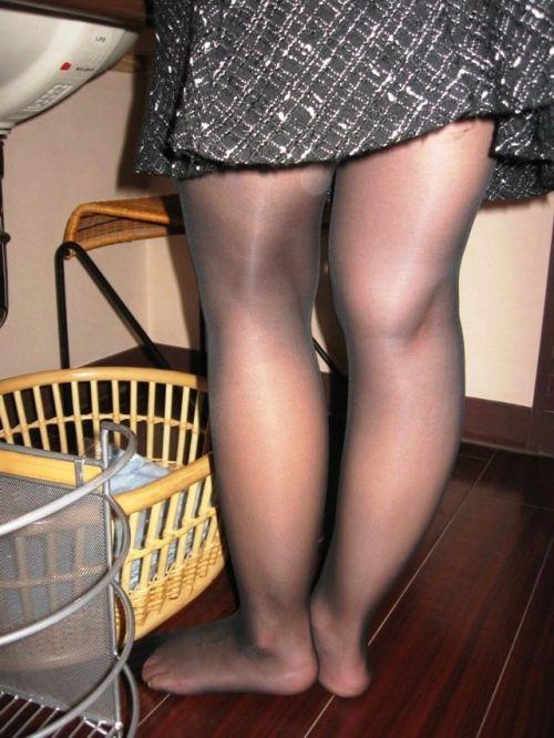 黒ストッキングを履いたの熟女の太ももとお尻に顔を埋めたくなるエロ画像 37枚 No.34