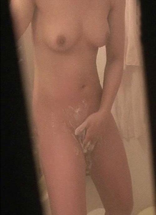 【民家盗撮】お風呂で体を洗ってる女の子って色っぽいよなwww 41枚 No.8