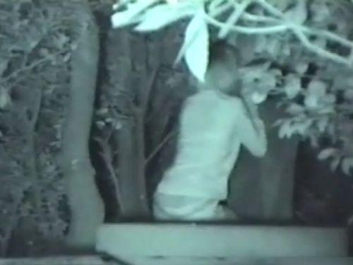 赤外線カメラでカップルの青姦セックスをこっそり盗撮したエロ画像 31枚 No.12
