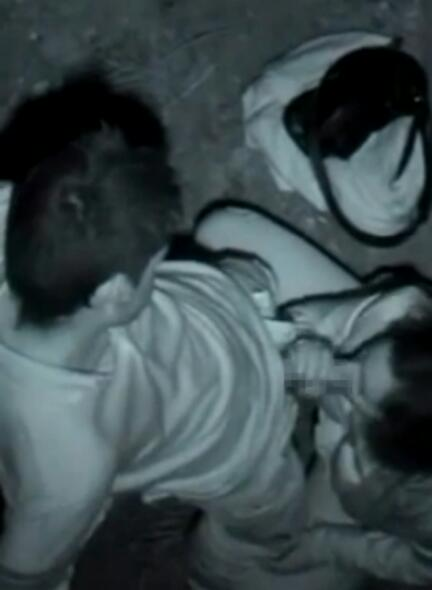 赤外線カメラでカップルの青姦セックスをこっそり盗撮したエロ画像 31枚 No.27