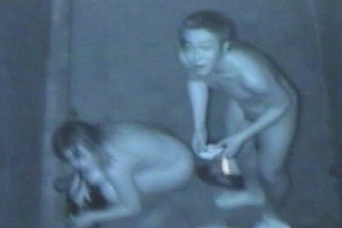 赤外線カメラでカップルの青姦セックスをこっそり盗撮したエロ画像 31枚 No.29
