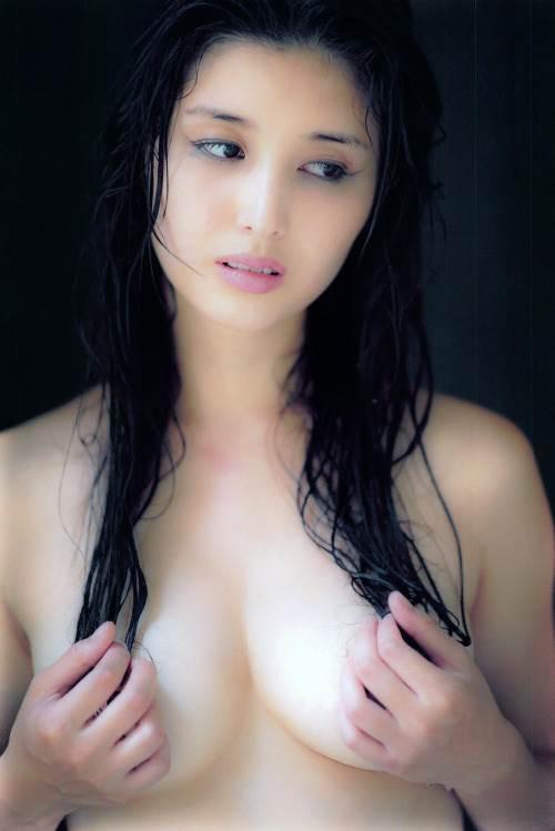 橋本マナミ 熟女なおっぱいや乳輪が見えちゃう激エロなヌード画像 91枚 No.19