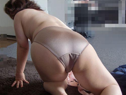 【エロ画像】人妻や熟女のお尻を包み込むフルバックパンティで熟女好きになろうぜwww 51枚 No.7