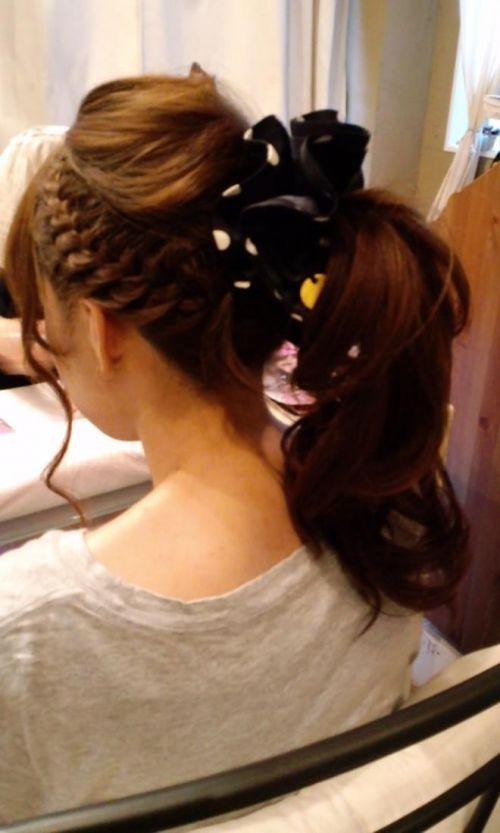 鏡の前で髪の毛を束ねる可愛い女の子達のうなじに注目したエロ画像 31枚 No.14