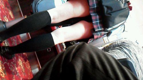 パチンコ店員のパンティをローアングルで盗撮したエロ画像まとめ 36枚 No.35