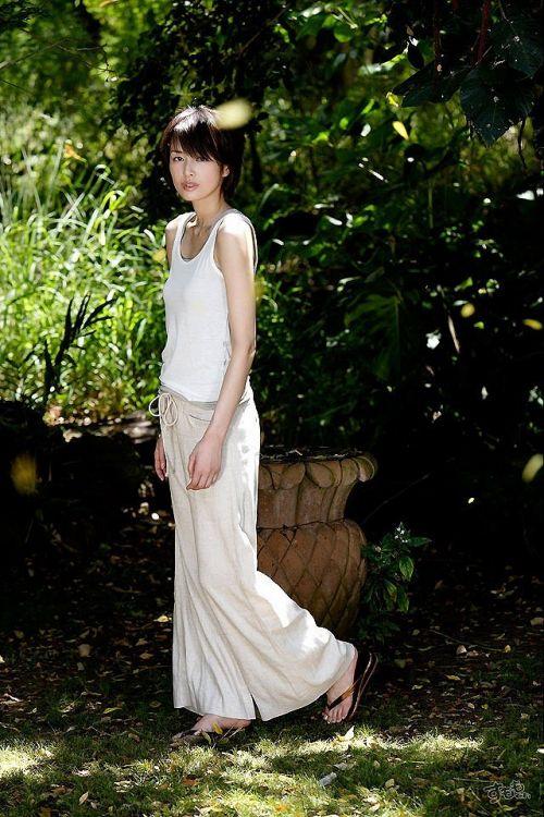 吉瀬美智子 綺麗でカッコ良すぎる熟女のヌードやイキ顔のエロ画像 182枚 No.17