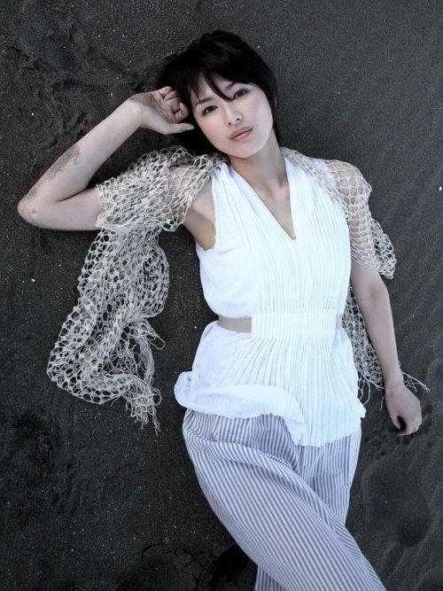吉瀬美智子 綺麗でカッコ良すぎる熟女のヌードやイキ顔のエロ画像 182枚 No.44