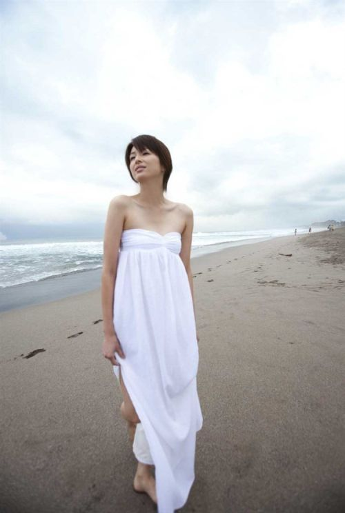 吉瀬美智子 綺麗でカッコ良すぎる熟女のヌードやイキ顔のエロ画像 182枚 No.77