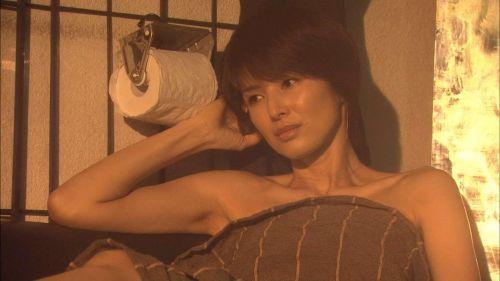 吉瀬美智子 綺麗でカッコ良すぎる熟女のヌードやイキ顔のエロ画像 182枚 No.80