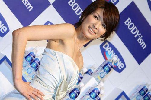 吉瀬美智子 綺麗でカッコ良すぎる熟女のヌードやイキ顔のエロ画像 182枚 No.87