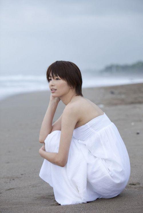 吉瀬美智子 綺麗でカッコ良すぎる熟女のヌードやイキ顔のエロ画像 182枚 No.110