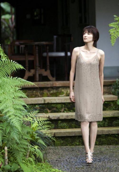 吉瀬美智子 綺麗でカッコ良すぎる熟女のヌードやイキ顔のエロ画像 182枚 No.113