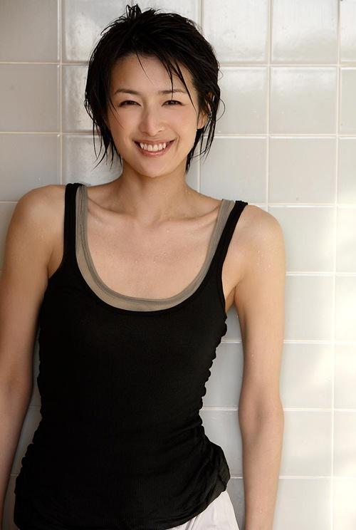 吉瀬美智子 綺麗でカッコ良すぎる熟女のヌードやイキ顔のエロ画像 182枚 No.114