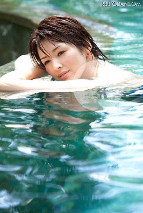 吉瀬美智子 綺麗でカッコ良すぎる熟女のヌードやイキ顔のエロ画像 182枚 No.125
