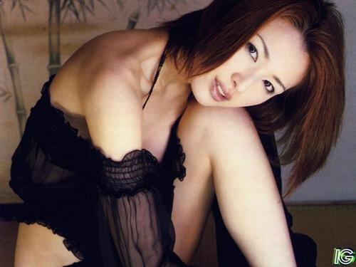 吉瀬美智子 綺麗でカッコ良すぎる熟女のヌードやイキ顔のエロ画像 182枚 No.152