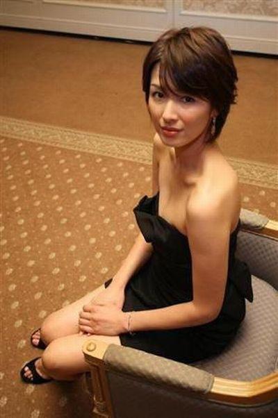 吉瀬美智子 綺麗でカッコ良すぎる熟女のヌードやイキ顔のエロ画像 182枚 No.153