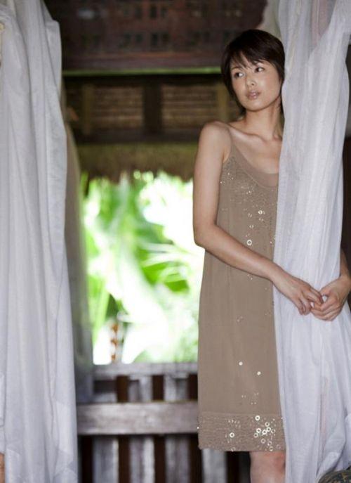 吉瀬美智子 綺麗でカッコ良すぎる熟女のヌードやイキ顔のエロ画像 182枚 No.157