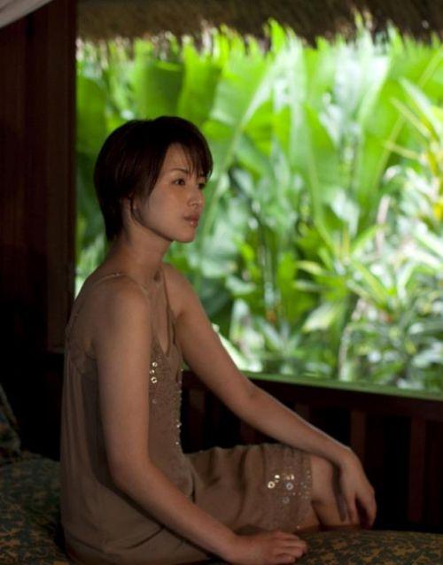 吉瀬美智子 綺麗でカッコ良すぎる熟女のヌードやイキ顔のエロ画像 182枚 No.159