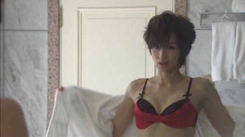 吉瀬美智子 綺麗でカッコ良すぎる熟女のヌードやイキ顔のエロ画像 182枚 No.162