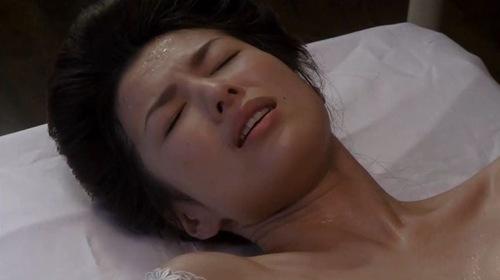 吉瀬美智子 綺麗でカッコ良すぎる熟女のヌードやイキ顔のエロ画像 182枚 No.181