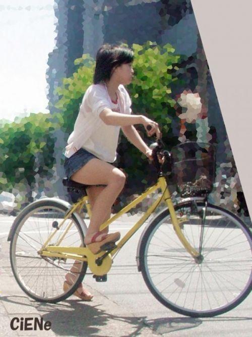 【パンチラ確定画像】ミニスカジーンズギャルが自転車に乗った結果www 38枚 No.12