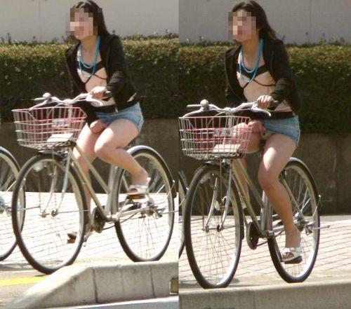 【パンチラ確定画像】ミニスカジーンズギャルが自転車に乗った結果www 38枚 No.35