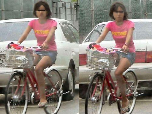 【パンチラ確定画像】ミニスカジーンズギャルが自転車に乗った結果www 38枚 No.37