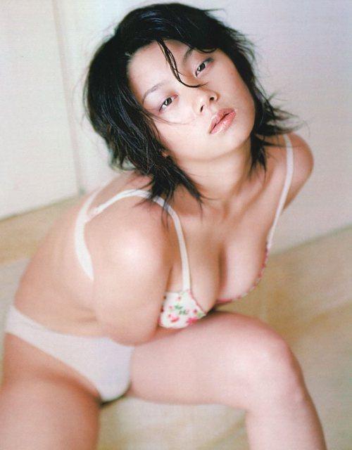 小池栄子 エロ過ぎるFカップおっぱいの谷間と力強い視線に勃起不可避なエロ画像 167枚 No.20