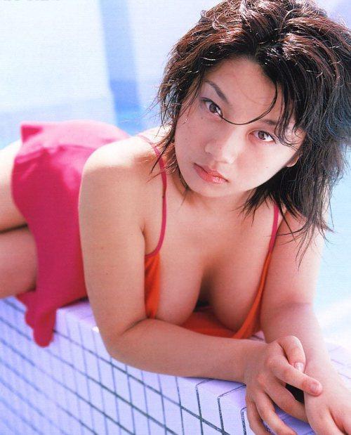 小池栄子 エロ過ぎるFカップおっぱいの谷間と力強い視線に勃起不可避なエロ画像 167枚 No.31