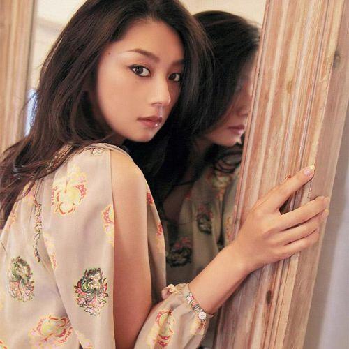 小池栄子 エロ過ぎるFカップおっぱいの谷間と力強い視線に勃起不可避なエロ画像 167枚 No.35
