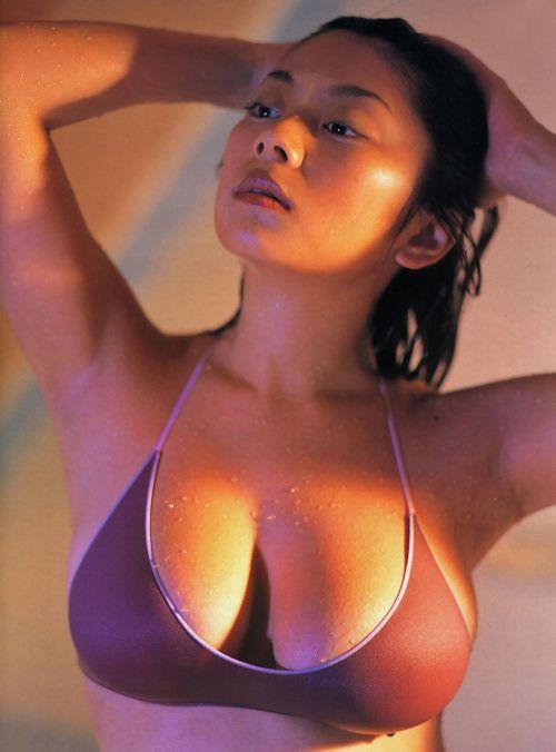 小池栄子 エロ過ぎるFカップおっぱいの谷間と力強い視線に勃起不可避なエロ画像 167枚 No.37