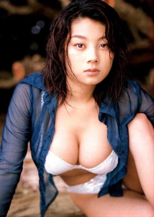 小池栄子 エロ過ぎるFカップおっぱいの谷間と力強い視線に勃起不可避なエロ画像 167枚 No.43