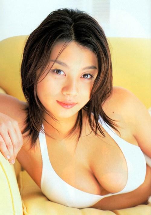 小池栄子 エロ過ぎるFカップおっぱいの谷間と力強い視線に勃起不可避なエロ画像 167枚 No.54