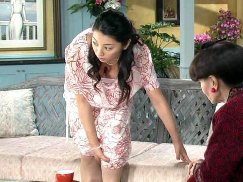 小池栄子 エロ過ぎるFカップおっぱいの谷間と力強い視線に勃起不可避なエロ画像 167枚 No.67