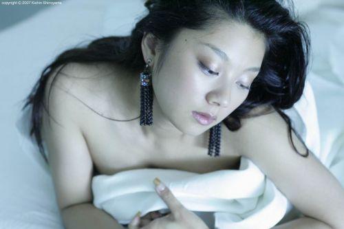 小池栄子 エロ過ぎるFカップおっぱいの谷間と力強い視線に勃起不可避なエロ画像 167枚 No.70