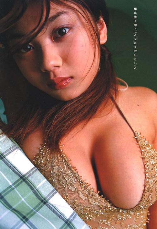小池栄子 エロ過ぎるFカップおっぱいの谷間と力強い視線に勃起不可避なエロ画像 167枚 No.71
