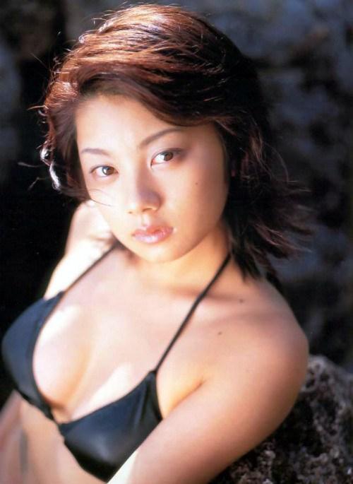 小池栄子 エロ過ぎるFカップおっぱいの谷間と力強い視線に勃起不可避なエロ画像 167枚 No.96