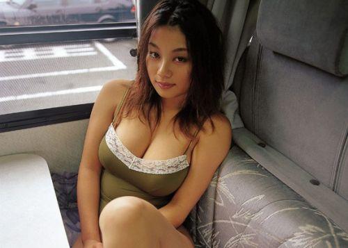 小池栄子 エロ過ぎるFカップおっぱいの谷間と力強い視線に勃起不可避なエロ画像 167枚 No.98