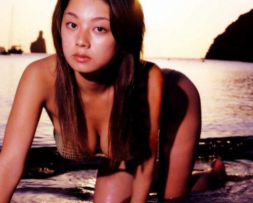 小池栄子 エロ過ぎるFカップおっぱいの谷間と力強い視線に勃起不可避なエロ画像 167枚 No.103