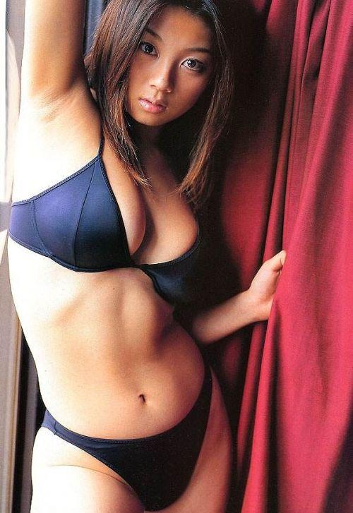 小池栄子 エロ過ぎるFカップおっぱいの谷間と力強い視線に勃起不可避なエロ画像 167枚 No.106