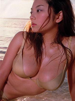 小池栄子 エロ過ぎるFカップおっぱいの谷間と力強い視線に勃起不可避なエロ画像 167枚 No.110