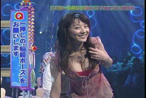 小池栄子 エロ過ぎるFカップおっぱいの谷間と力強い視線に勃起不可避なエロ画像 167枚 No.128
