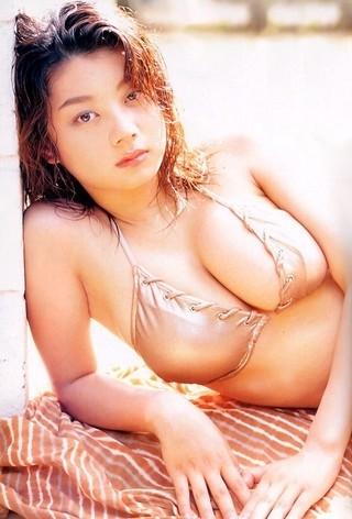小池栄子 エロ過ぎるFカップおっぱいの谷間と力強い視線に勃起不可避なエロ画像 167枚 No.132