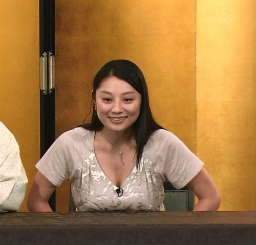 小池栄子 エロ過ぎるFカップおっぱいの谷間と力強い視線に勃起不可避なエロ画像 167枚 No.133