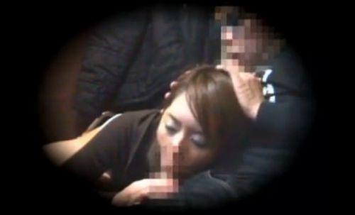 ネットカフェで声を我慢しながらセックスしてるカップルの盗撮画像 27枚 No.7